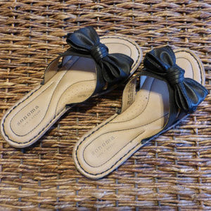 Sonoma flat sandals